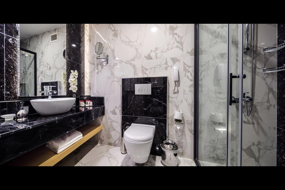Deluxe Odalar ve Suit Odalar Banyo